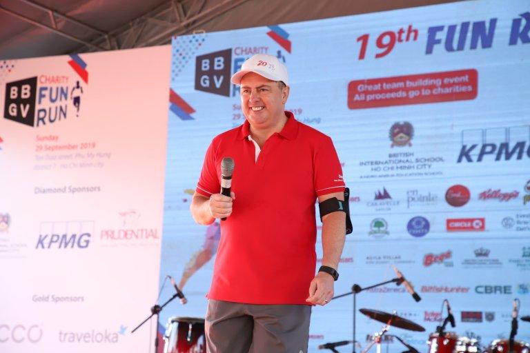 Ông Clive Baker, Tổng Giám đốc Prudential Việt Nam phát biểu tại sự kiện Fun Run 2019
