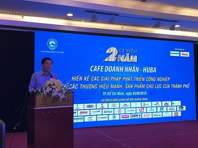 Ông Nguyễn Thành Phong, Chủ tịch UBND TP. Hồ Chí Minh phát biểu tại lễ kỷ niệm chương trình Café Doanh nhân - HUBA
