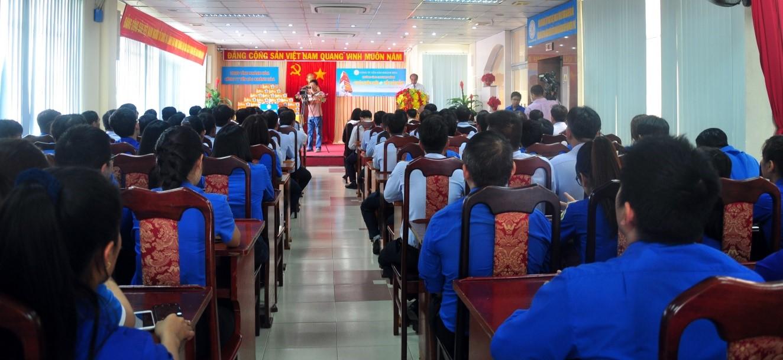 Toàn cảnh Lễ trao tặng quà đến với Trường Sa