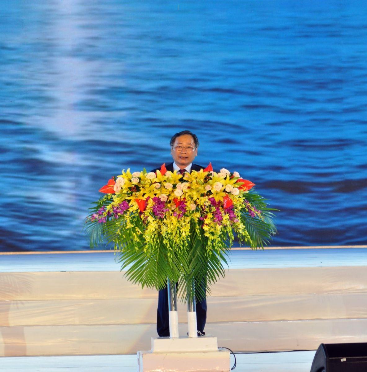 ông Nguyễn Đắc Tài –UV Ban Thường vụ Tỉnh ủy, Phó Chủ tịch UBND tỉnh – P. Trưởng Ban Tổ chức Năm Du lịch Quốc gia 2019 và Festival Biển Nha Trang- Khánh Hòa tuyên bố bế mạc Festival Biển Nha Trang – Khánh Hoà 2019.