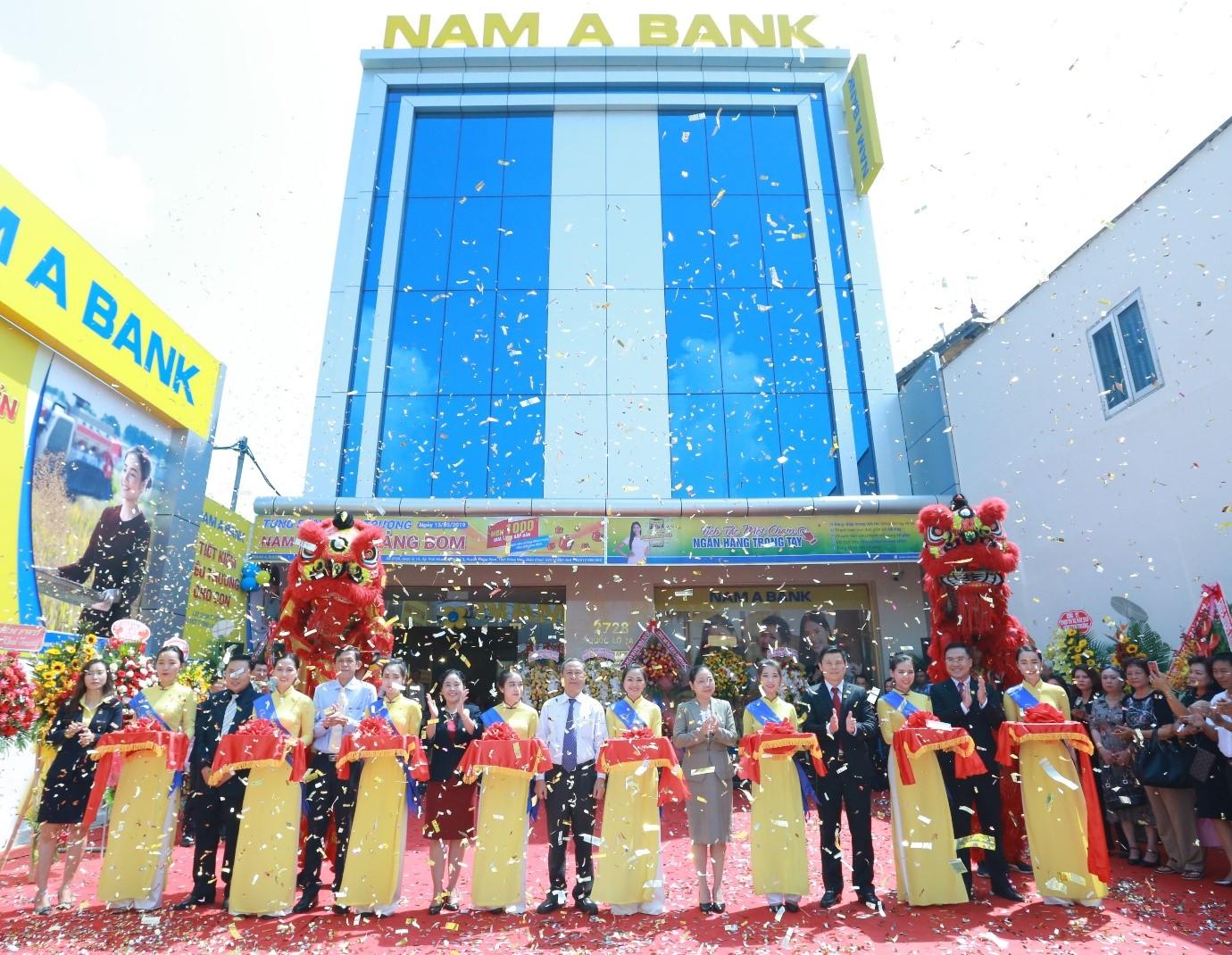 Tưng bừng khai trương Nam A Bank Trảng Bom tại số 2728, Quốc lộ 1A, Ấp Thái Hòa, Xã Hố Nai 3, Huyện Trảng Bom, Tỉnh Đồng Nai.