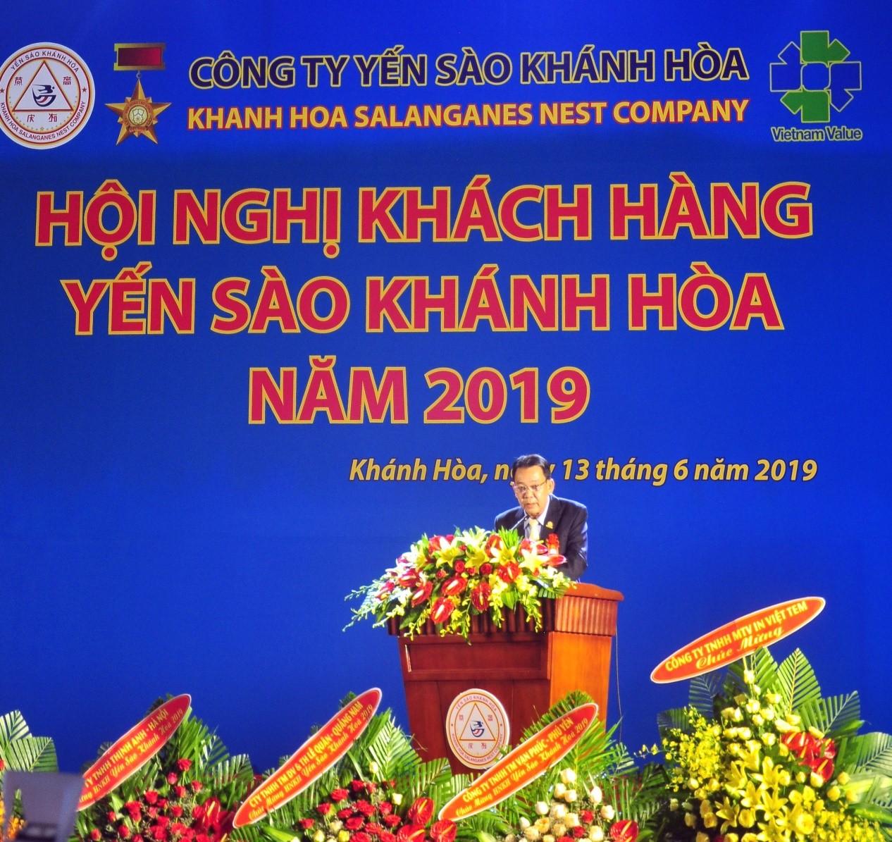 Ông Nguyễn Anh Hùng, Tổng Giám đốc Công Ty Yến Sào Khánh Hòa, phát biểu tổng kết tại Hội nghị