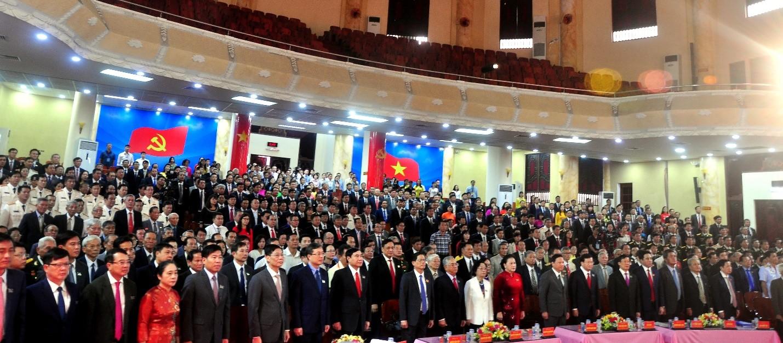 Các Đại biểu dự Lễ chào cờ tại Đại Hội Đảng Bộ tỉnh Khánh Hòa