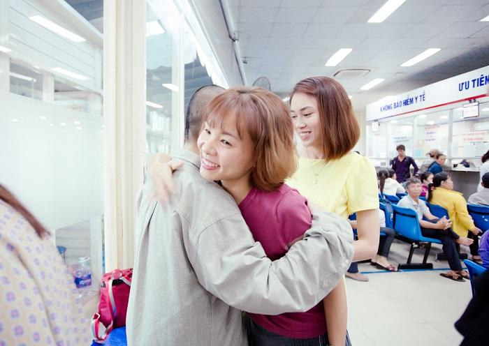 Những cái ôm động viên tinh thần chị Thanh Vân đến từ các thành viên WLIN