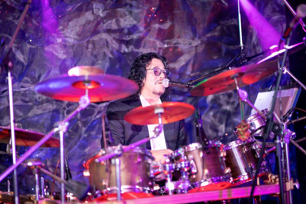 Ca sĩ Khắc Triệu