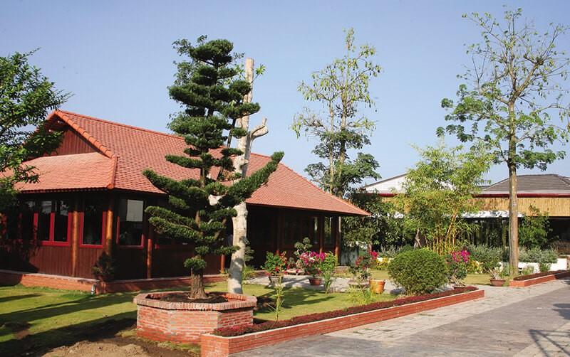 Forever Green là một khu nghỉ dưỡng cao cấp tọa lạc tại xã Phú túc, huyện Châu Thành, tỉnh Bến Tre