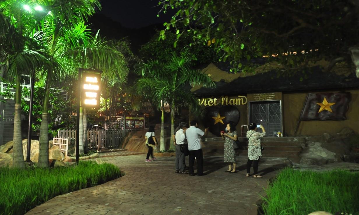 Nhà bản đồ Việt Nam