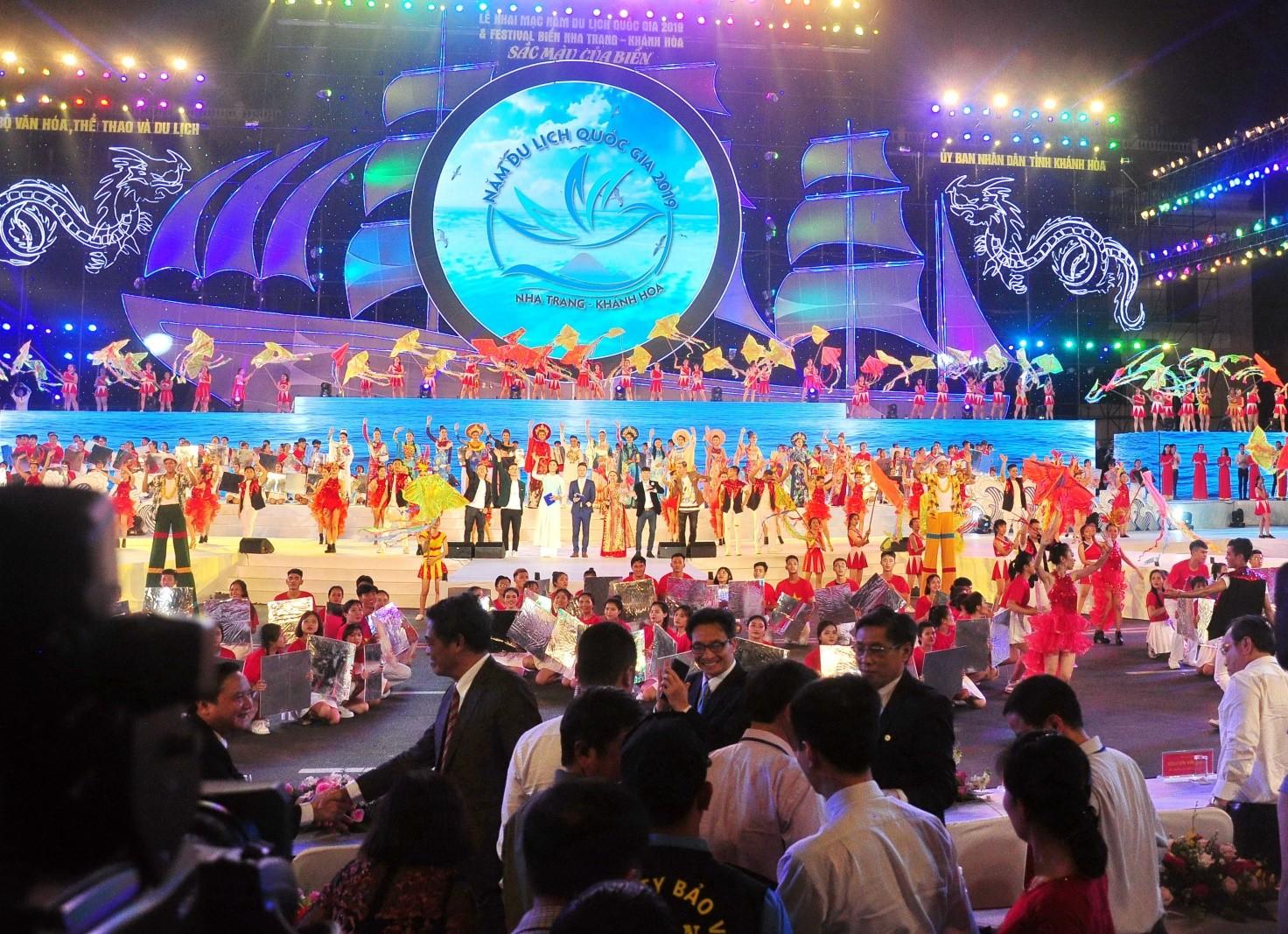 Phó Thủ tướng Vũ Đức Đam dự khai mạc Festival Biển Nha Trang