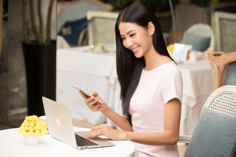 Gửi tiền trực tuyến được xem là xu hướng tiết kiệm mới thời công nghệ, được nhiều bạn trẻ lựa chọn bởi sự tiện lợi, an toàn và lãi suất cao.