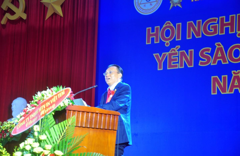 Ông Lê Hữu Hoàng Chủ tịch HĐ TV Tổng Công Ty Yến Sào Khánh Hòa phát biểu ghi nhận, biểu dương trên 1.000 nhà phân phối, đại lý trong nước và quốc tế.