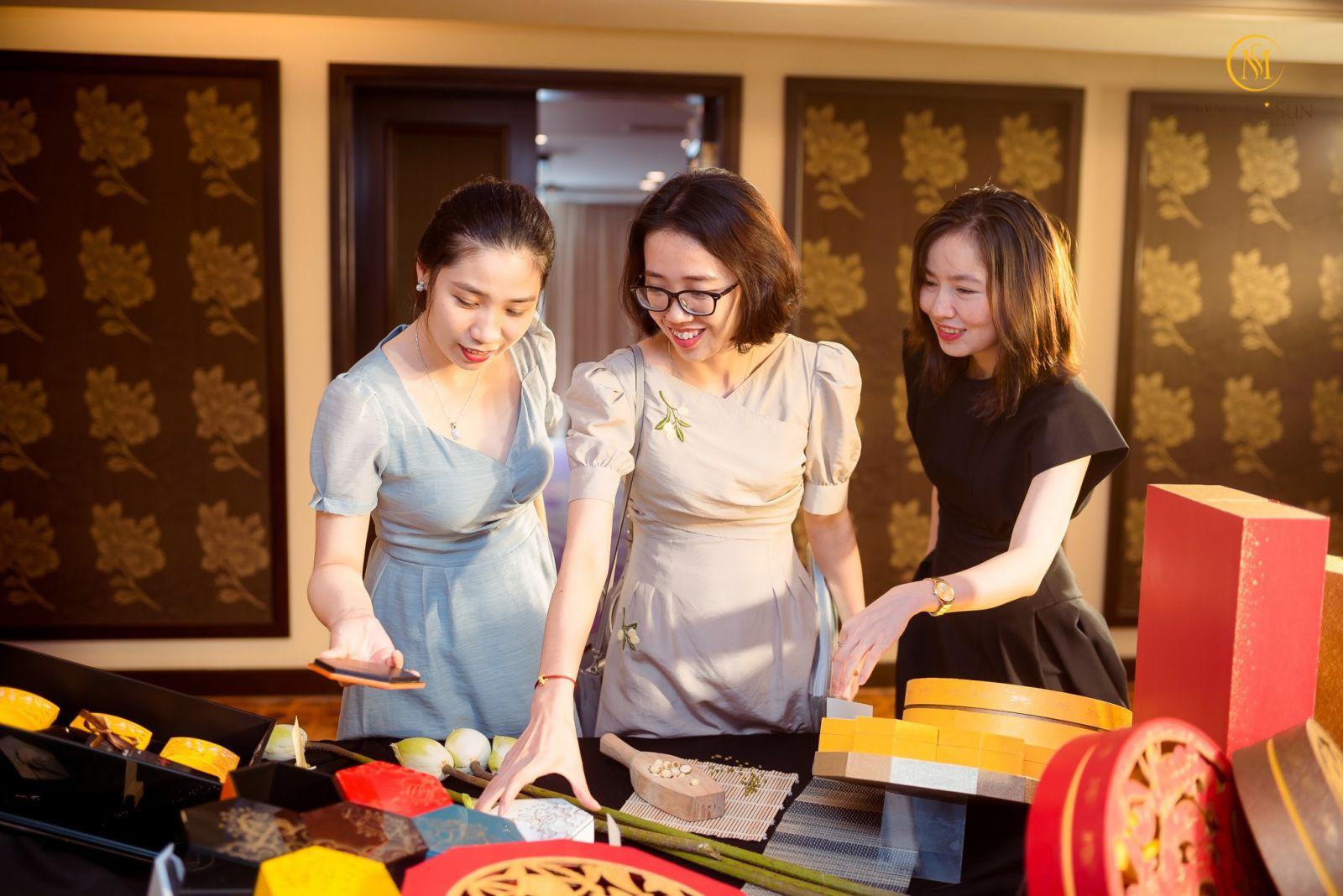 Moon n Sun là Thương hiệu Tiên phong Nghệ thuật quà tặng ẩm thực mùa lễ hội