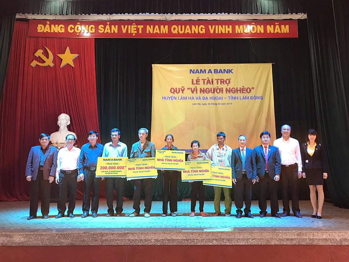"""Nam A Bank tài trợ Quỹ """"Vì người nghèo"""" cho huyện Lâm Hà và huyện Đạ Huoai trong tháng 05/2019."""