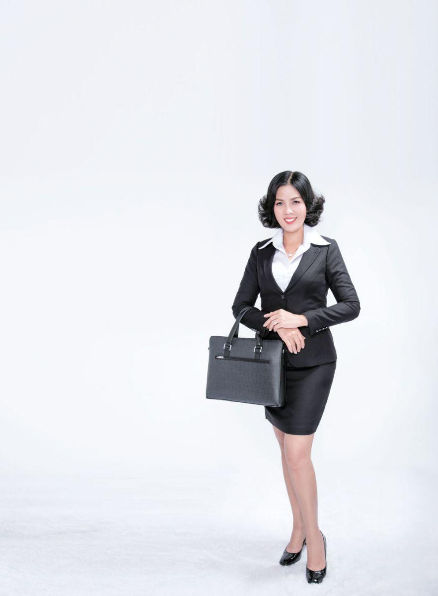 Câu chuyện thần kì của cô thợ may Nguyễn Thị Phương Linh thành bóng hồng tư vấn bảo hiểm xuất sắc