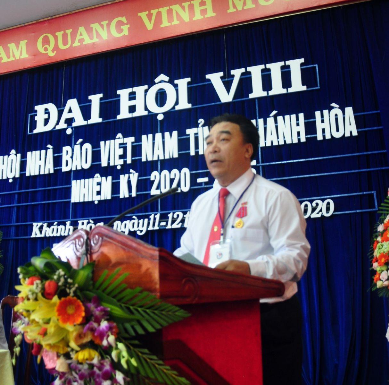 Ông Đoàn Minh Long, Chủ tịch Hội Nhà Báo Khánh Hòa phát biểu khai mạc Đại Hội