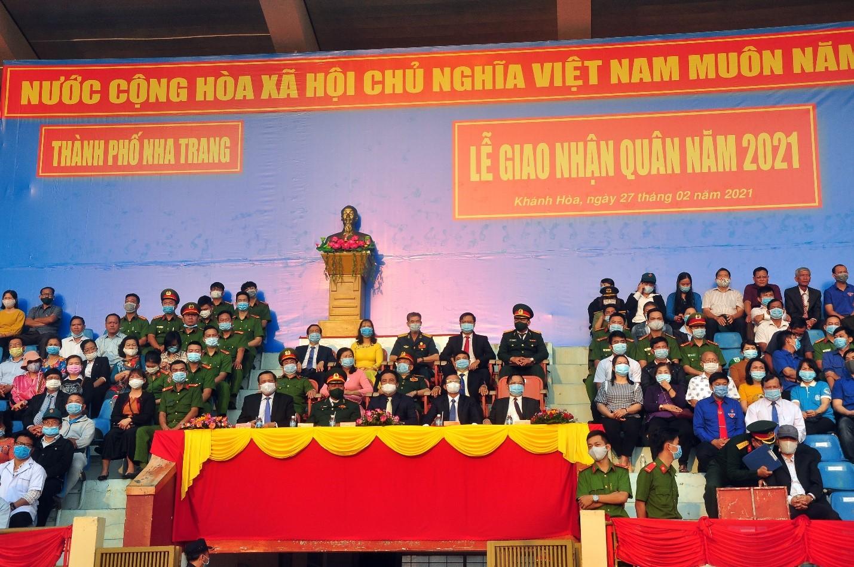 Các ĐC lãnh đạo Đảng, CQ, các cơ quan ban ngành dự Lễ Giao quân.