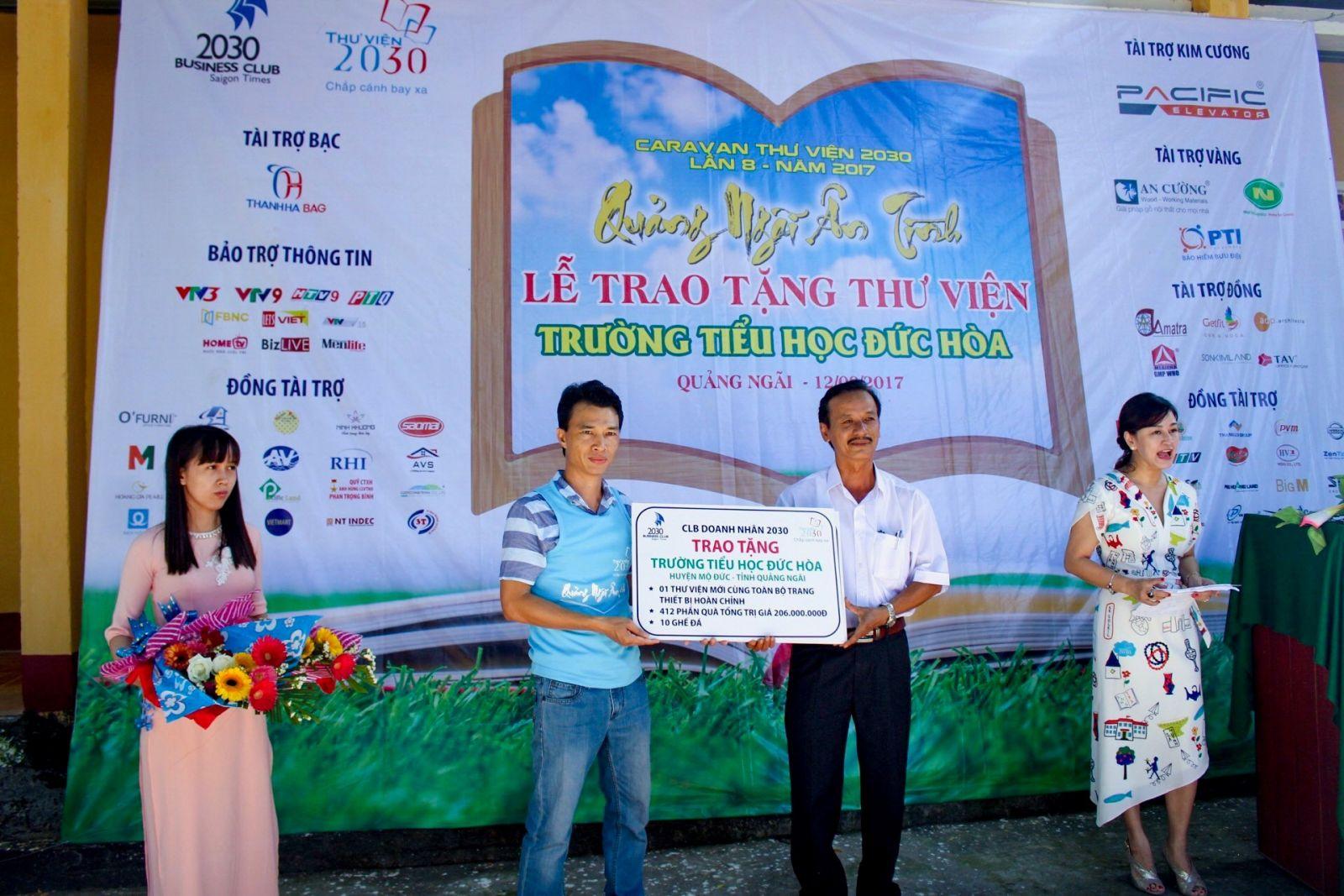 Lễ trao tặng thư viện 2030 cho trường tiểu học Đức Hòa