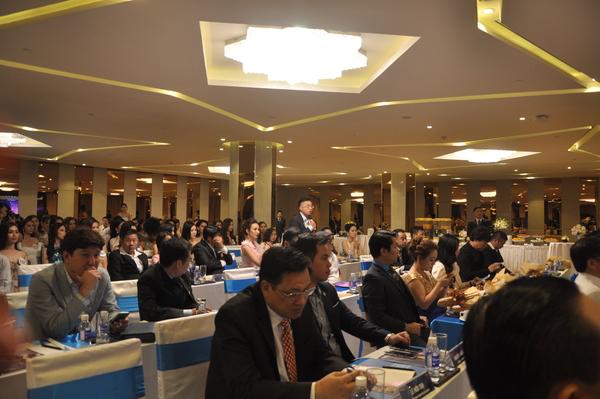 Toàn cảnh họp báo chuẩn bị cho đêm bán kết và Chung kết Hoa Hậu Hoàn Vũ Việt Nam 2017 tại Nha Trang