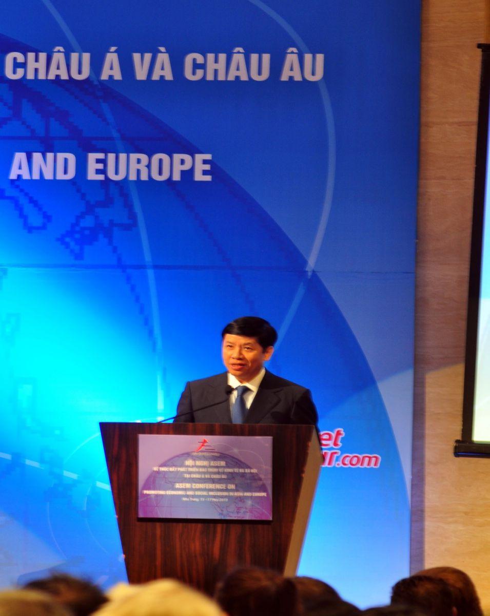 Ông Nguyễn Quốc Cường, Thứ trưởng Bộ Ngoại Giao phát biểu định hướng Hội nghị