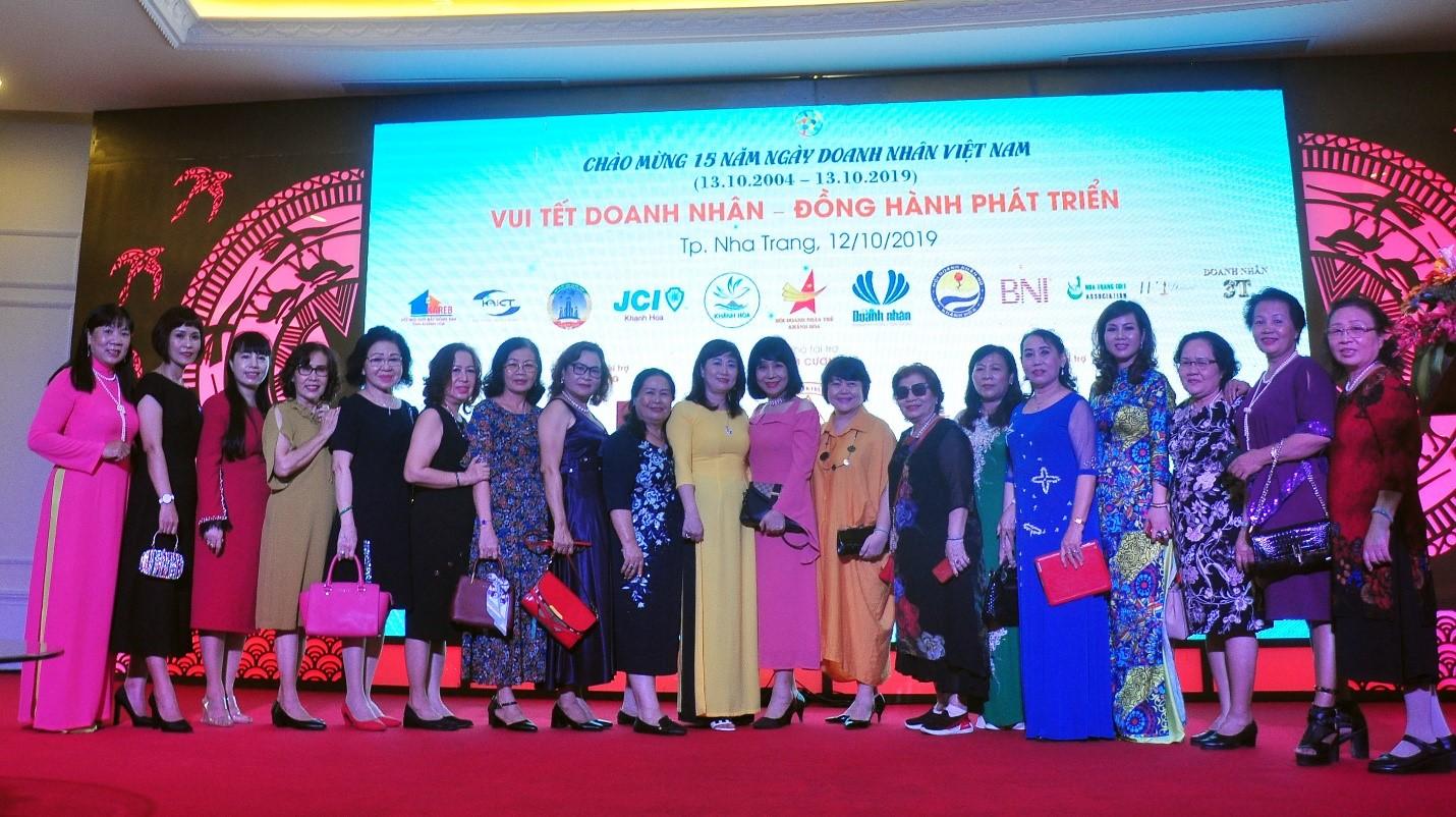 Hội Doanh Nhân Nữ Khánh Hòa trong ngày Doanh nhân Việt Nam