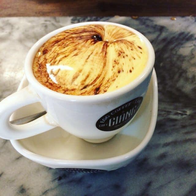 Cafe trứng của quán Giảng (Hà Nội) được nhiều hãng thông tấn thế giới đặc biệt chú ý. Thức uống này sẽ được phục vụ tại Trung tâm báo chí quốc tế nhân hội nghị thượng đỉnh Mỹ - Triều lần 2, tại Hà Nội.