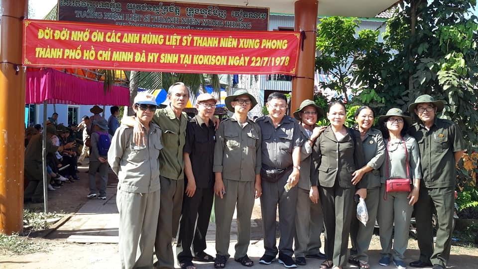 TNXP các quận, Huyện TP Hồ Chí Minh thăm lại chiến trường xưa, viếng đồng đội.
