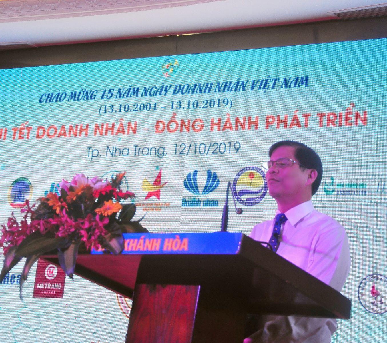 Ông Nguyễn Tấn Tuân - Phó Bí thư Thường trực Tỉnh ủy, Chủ tịch HĐND tỉnh Khánh Hòa phát biểu tại buổi lễ