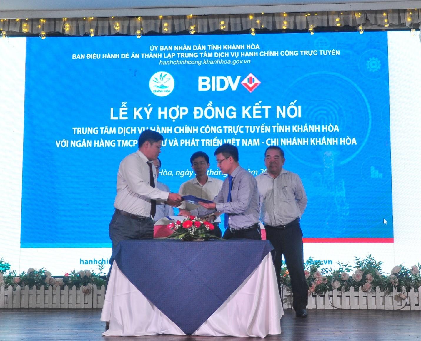 Trung Tâm Dịch Vụ Hành Chính Công Trực Tuyến Tỉnh Khánh Hòa và BIDV Khánh Hòa ký kết Hợp đồng