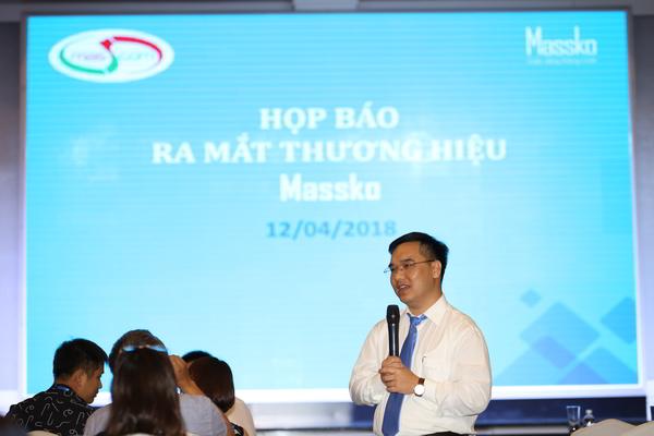 Ông Nguyễn Sỹ Pháp -Tổng Giám đốc công ty cổ phần Masscom trả lời những câu hỏi của báo giới tại buổi họp báo ra mắt thương hiệu Massko