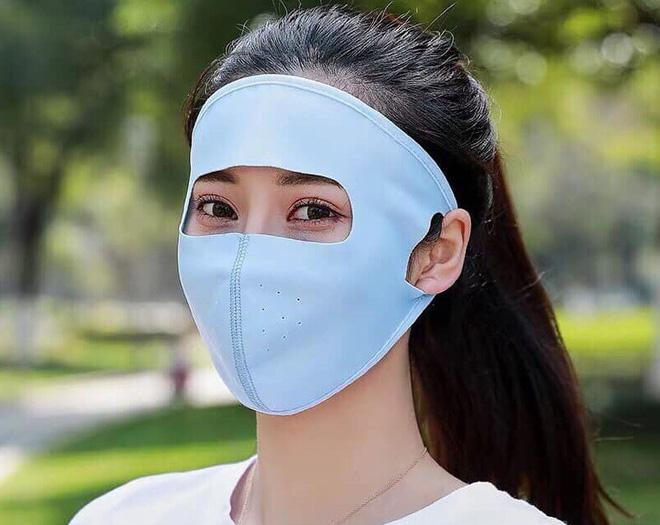Khẩu trang ninja thở đang được chào bán rầm rộ.