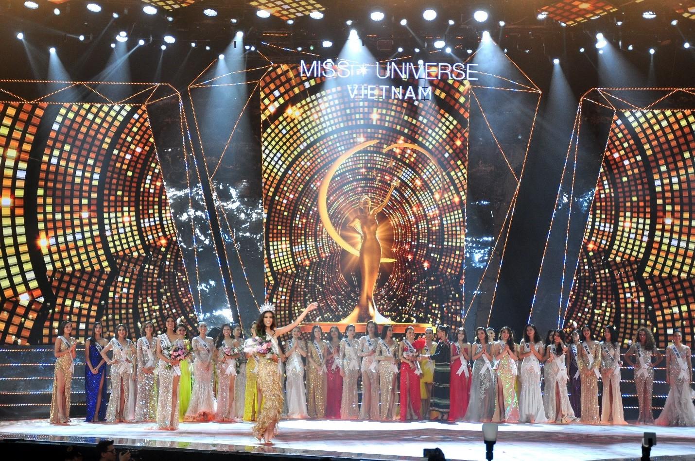 Tân Hoa hậu Nguyễn Trần Khánh Vân và Vương miện Brave Heart đã tìm được chủ nhân sở hữu sau hành trình dài tìm kiếm người kế vị.