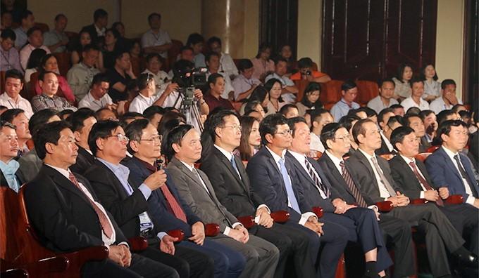 Các Đ/C lãnh đạo Đảng, Nhà nước dự Liên Hoan Truyền Hình toàn quôc lần thứ 39