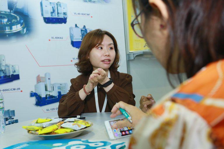 Cô Lois Hsieh, đại diện Công ty Honor Seiki -một doanh nghiệp hoat động trong lĩnh vực chếtạo máy CNC lớn của Đài Loan hy vọng sẽ ký kết được những đơn hàng giá trị cao tại thị trường Việt Nam