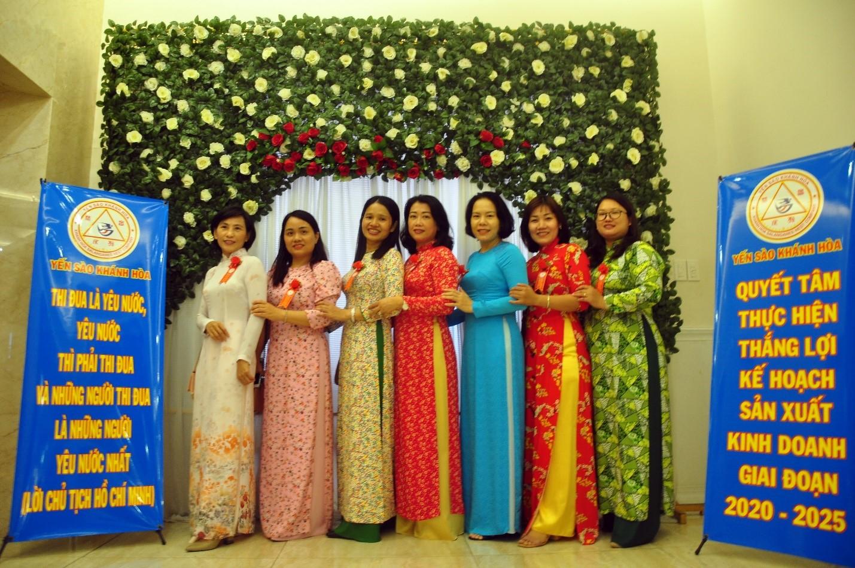 Nữ CNVC Công Ty Yến Sào Khánh Hòa