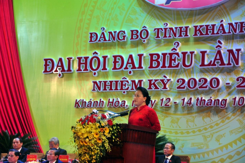 Bà Nguyễn Thị Kim Ngân, Ủy viên Bộ Chính trị, Chủ tịch Quốc hội phát biểu chỉ đạo Đại hội đại biểu Đảng bộ tỉnh Khánh Hòa lần thứ XVIII, nhiệm kỳ 2020-2025.