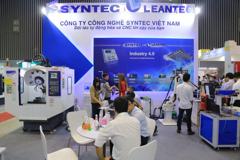 Syntec Việt Nam (100% vốn Đài Loan) là công ty sản xuất bộ điều khiển máy CNC, cánh tay Robot…đã mang tới triển lãm năm nay những sản phẩm ứng dụng công nghệ cao thu hút sự quan tâm của nhiều khách  hàng