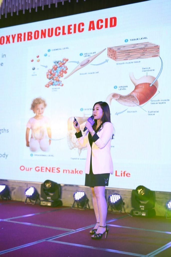 Bà Sisopa Riwatthan – Đại diện cho giới chuyên môn chương trình Phòng chống Ung thư từ Gốc
