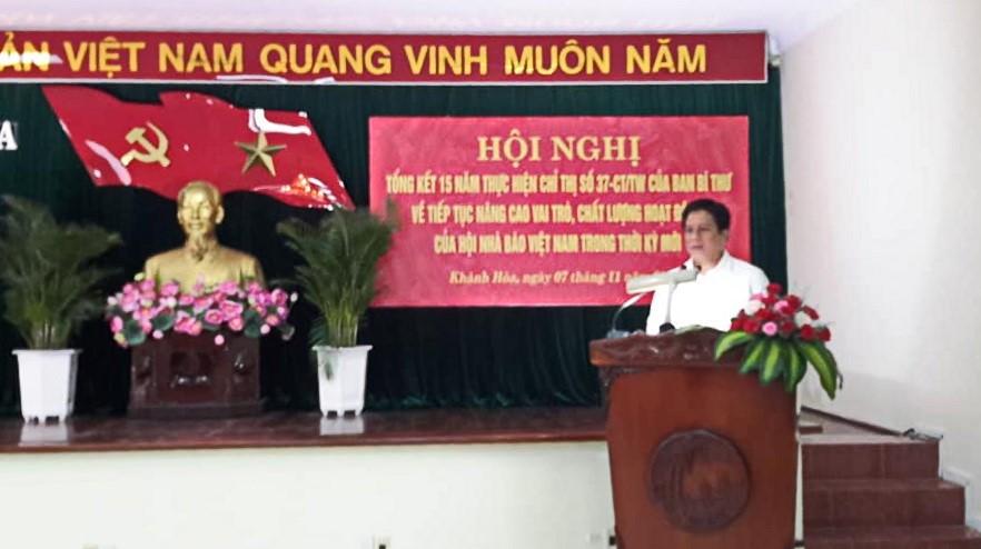 Ông Hồ Văn Mừng, Trưởng Ban Tuyên Giáo Tỉnh Ủy Khánh Hòa phát biểu kết luận Hội Nghị