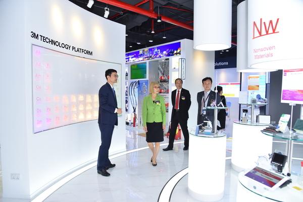 Bà Tamie Minami, Phó chủ tịch 3M phụ trách thị trường Châu Á