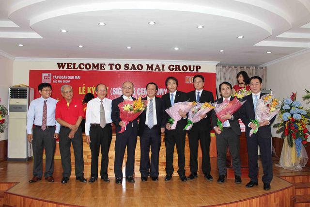Lãnh đạo tập đoàn Sao Mai chụp ảnh lưu niệm với Ban giám đốc Koyo Corporation tại lễ ký kết hợp tác