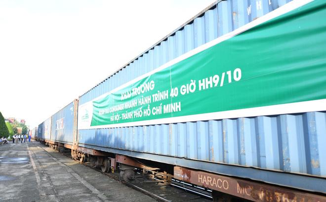12/22 toa tàu container được Viettel Post vận chuyển hàng hóa Bắc Nam, với hành trình rút ngắn xuống dưới 40 giờ.