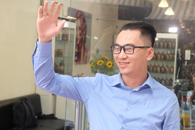 Anh Thông, một khách hàng lựa chọn kiểu tóc của nhà lãnh đạo Triều Tiên Kim Jong Un để thay đổi diện mạo.