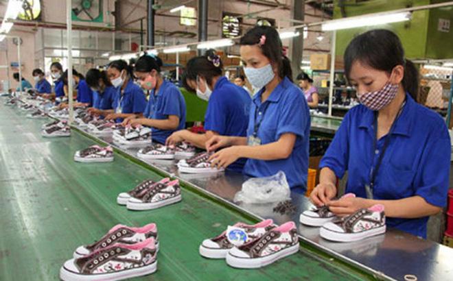 Thương hiệu nội địa giày Thượng Đình lâu đời của Việt Nam chỉ dám đặt lợi nhuận ngang quán phở. Ảnh: Internet