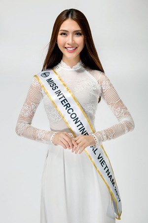 Hoa hậu Nguyễn Đặng Tường Linh