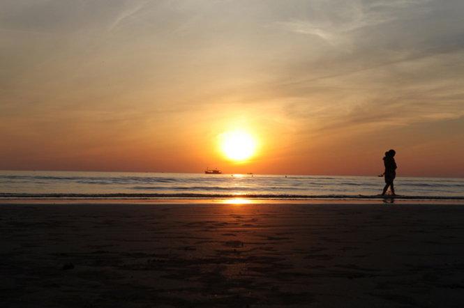 Mặt trời tỏa như trái tim nồng nhiệt - Ảnh: Băng Giang