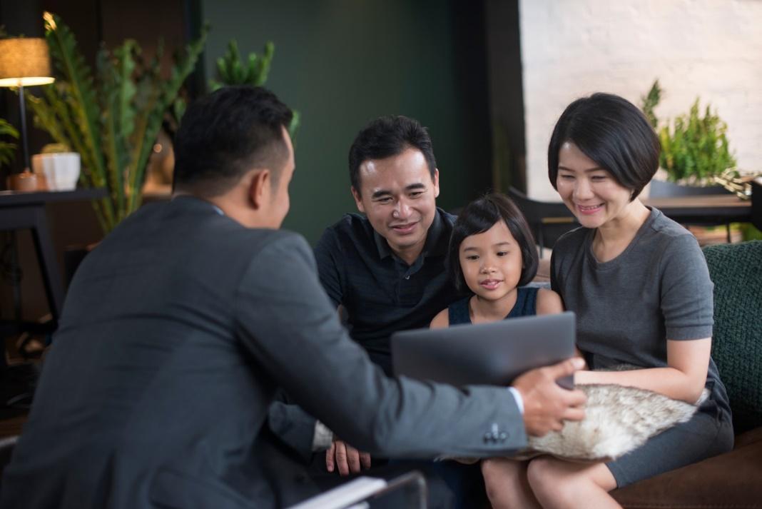 Với trang thông tin điện tử này, đại diện kinh doanh của Chubb Life Việt Nam có thể hỗ trợ khách hàng lập hồ sơ yêu cầu bảo hiểm ở bất cứ đầu và bất cứ thời điểm nào.
