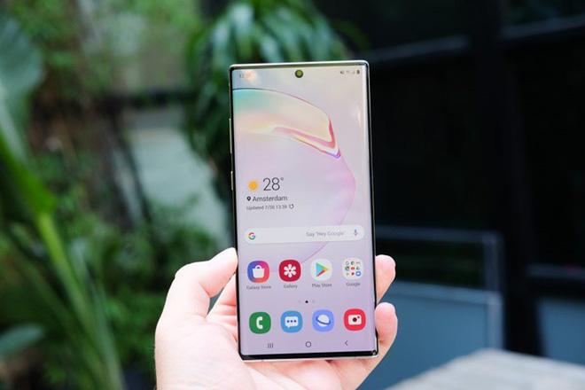"""Note 10 và 10+ gây """"bão"""" thị trường smartphone. Nguồn ảnh: Didongthongminh"""