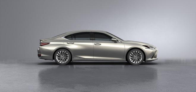 Lexus ES 250 giá 2,49 tỷ đồng. (Ảnh: Lexus)