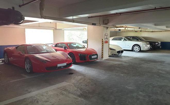 Những chiếc xe đắt tiền xếp san sát nhau. Ảnh: Le Anh.