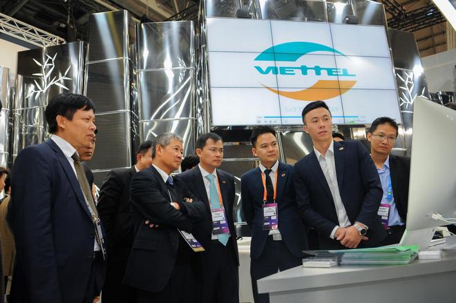 Đến với Hội nghị di động thế giới năm nay, Viettel giới thiệu nhiều sản phẩm công nghệ số để khẳng định vai trò của một công ty công nghệ, cung cấp dịch vụ số chứ không đơn thuần là một nhà mạng viễn thông như trước
