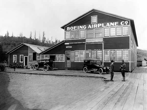 Công xưởng đầu tiên của Boeing bên hồ Lake Union